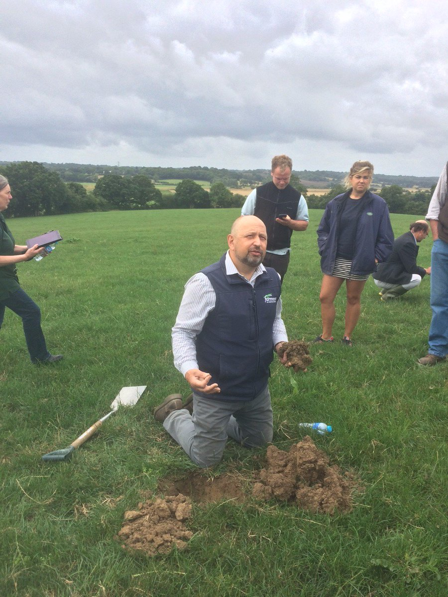 Farm walk run by @ForFarmersUK on #grasslandmanagement and #soilquality- how to preserve and look after the soil to maximise output.<br>http://pic.twitter.com/WYikWYe7hg