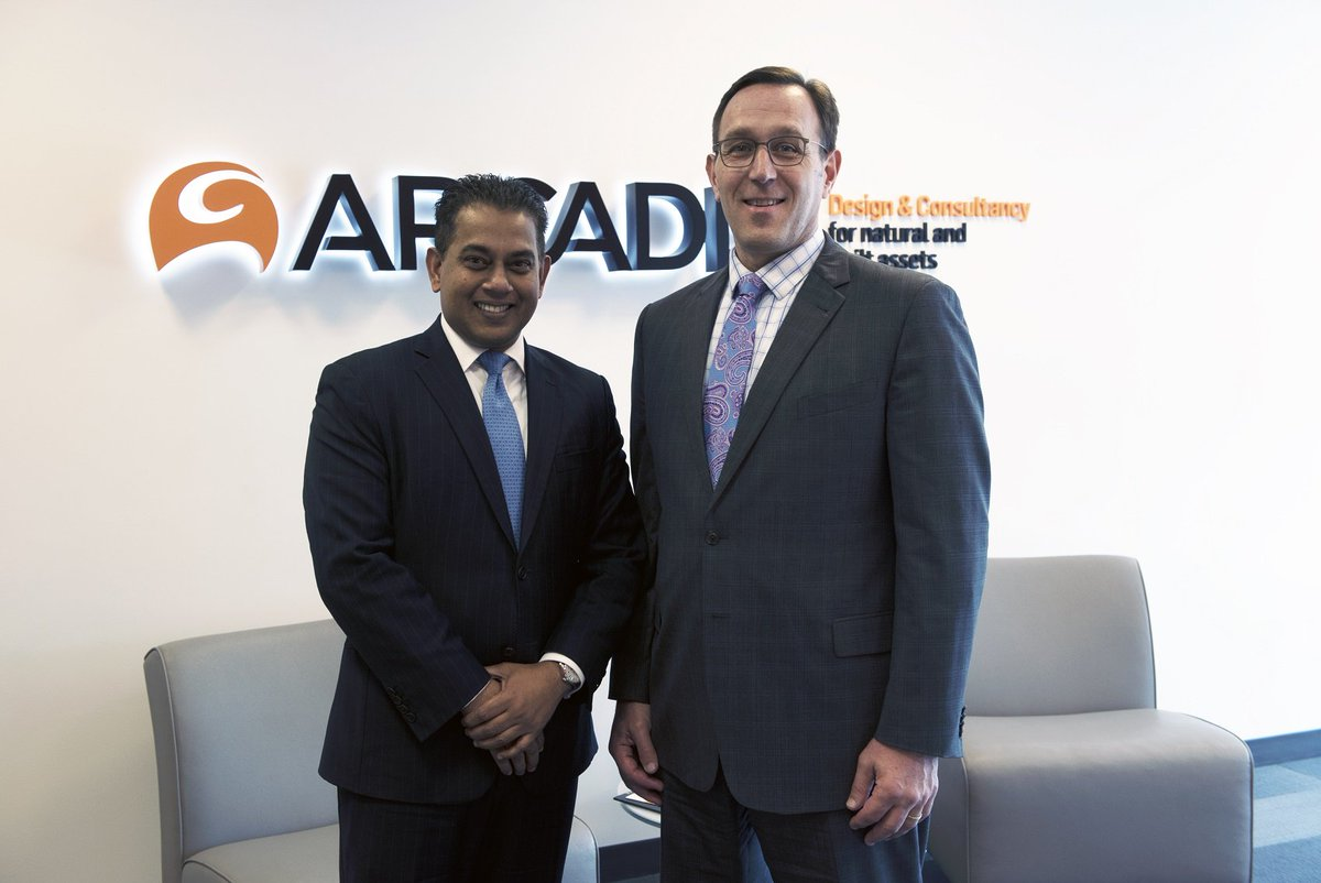 Arcadis acquires @E2ManageTech to better serve clients' #environmental, #healthandsafety technology needs.  http:// arcad.is/E2ManageTech  &nbsp;  <br>http://pic.twitter.com/4NQWXq7frP