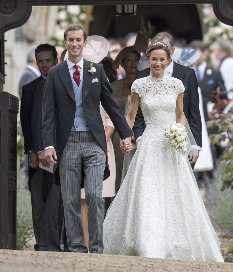 Meet the man behind Pippa Middleton's wedding dress: https://t.co/CYzWkUyJL3 https://t.co/rqLhq6TGAD