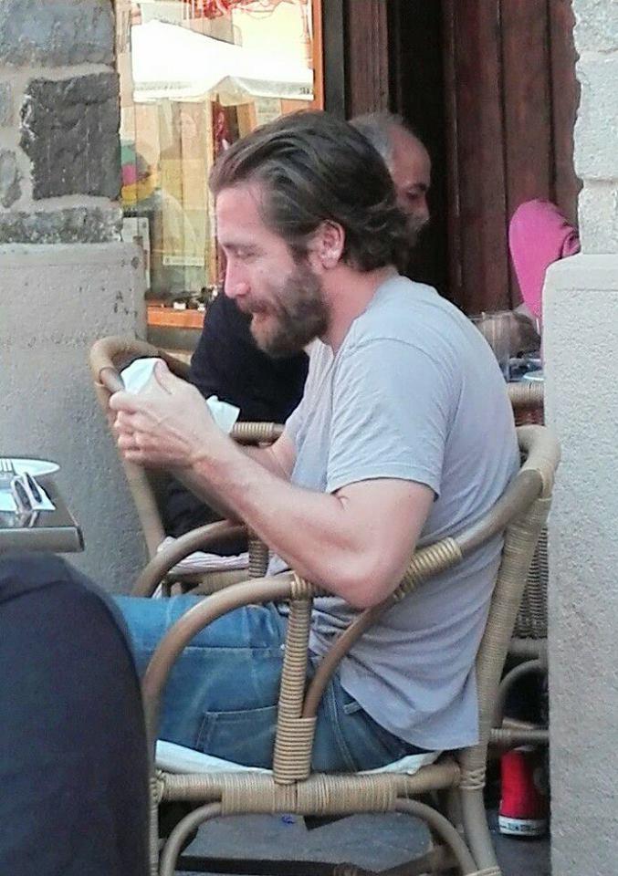 Toothy Tile On Twitter Jake Gyllenhaal In Jaca Spain This Week Filming The Sisters Brothers Movie