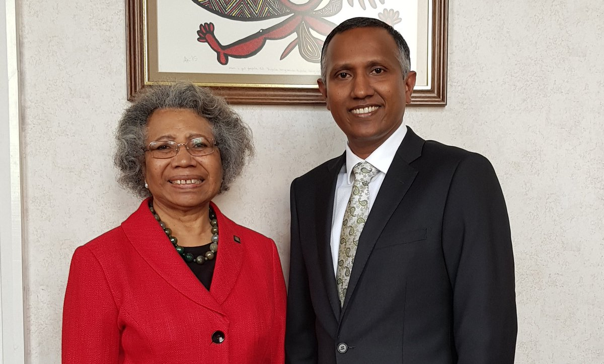 Dpty Amb Shifau &amp; HC Winnie Kiap discussed the importance of #Maldives #PNG &amp; #SIDS staying together in the fight against #ClimateChange<br>http://pic.twitter.com/E1xJdYm4Jn