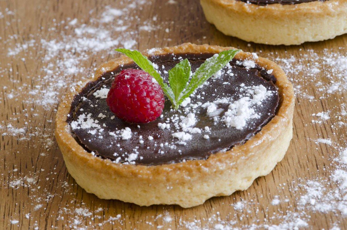 """cuisine et mets on twitter: """"tartelettes chocolat et framboise"""