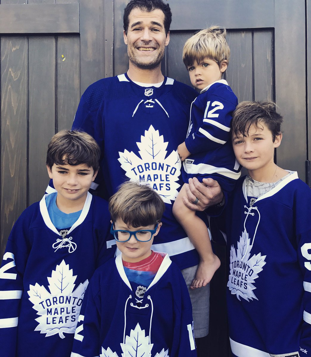 sale retailer 7e146 fed7c First look at Marleau in a Leafs jersey