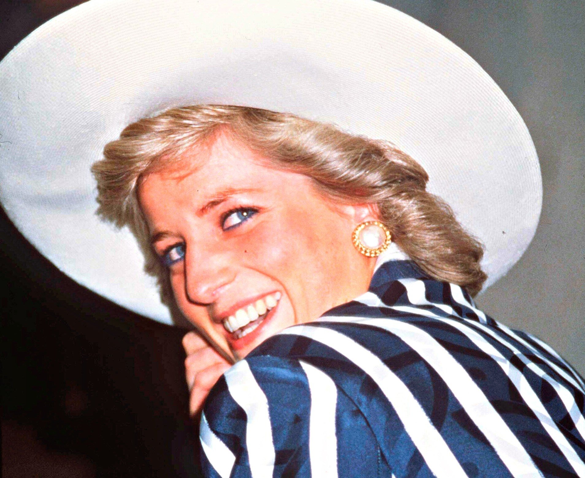 The first two minutes of this new Princess Diana documentary will give you chills: https://t.co/q4ZuEOZTXZ https://t.co/QL4tqqzzsB