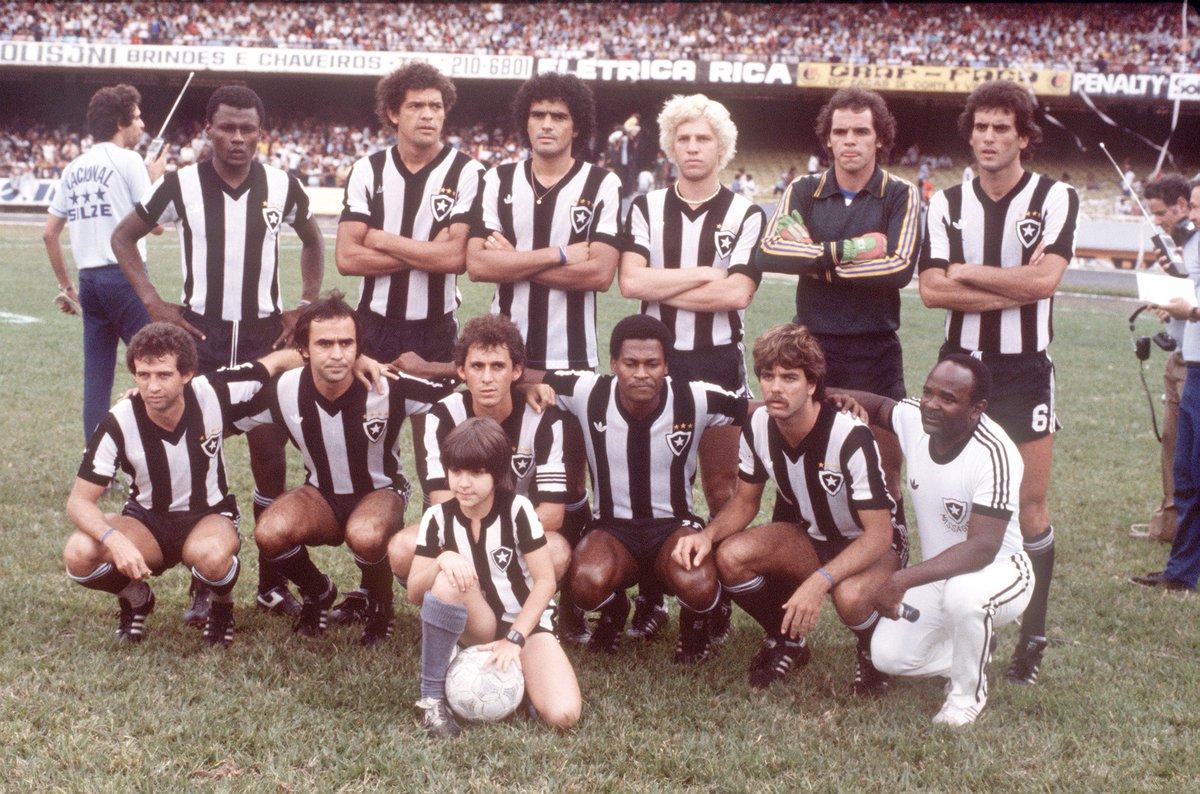 Ex-Botafogo, Perivaldo morre aos 64 anos no Rio de Janeiro: https://t.co/yK62uPoYkF