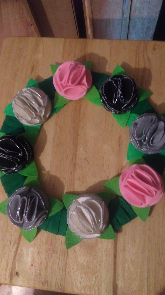 Custom order-lovely felt flower wreath.Handmade by us here at Amelia&#39;s Grotto #felt #flowers #wreath #handmade #ameliasgrotto<br>http://pic.twitter.com/jI8YiuWKJN