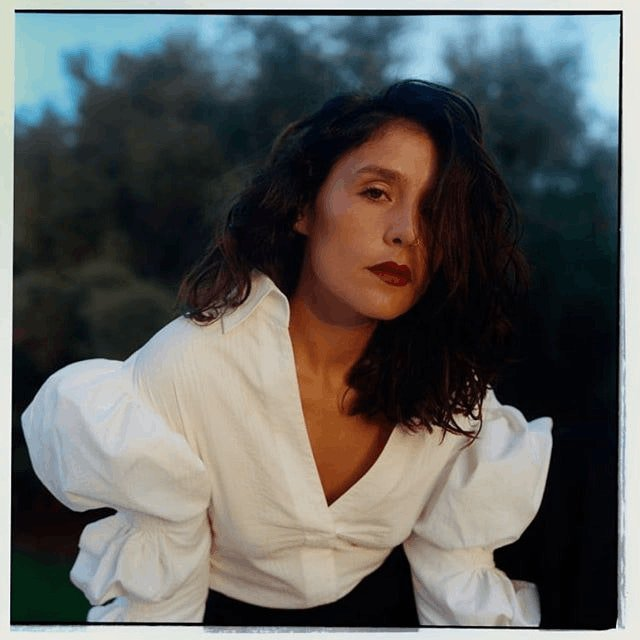 """.@JessieWare returns to music with an emotional bang on her new song """"Midnight"""" https://t.co/KhES0ZZuRt https://t.co/WHZA8S1Vq4"""