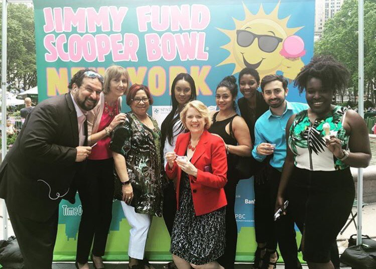 Getting unlimited ice-cream at Bryant Park with my co-workers was fun!  #NationalInternDay #SUNYInternDay https://t.co/kCoKvD2xXZ