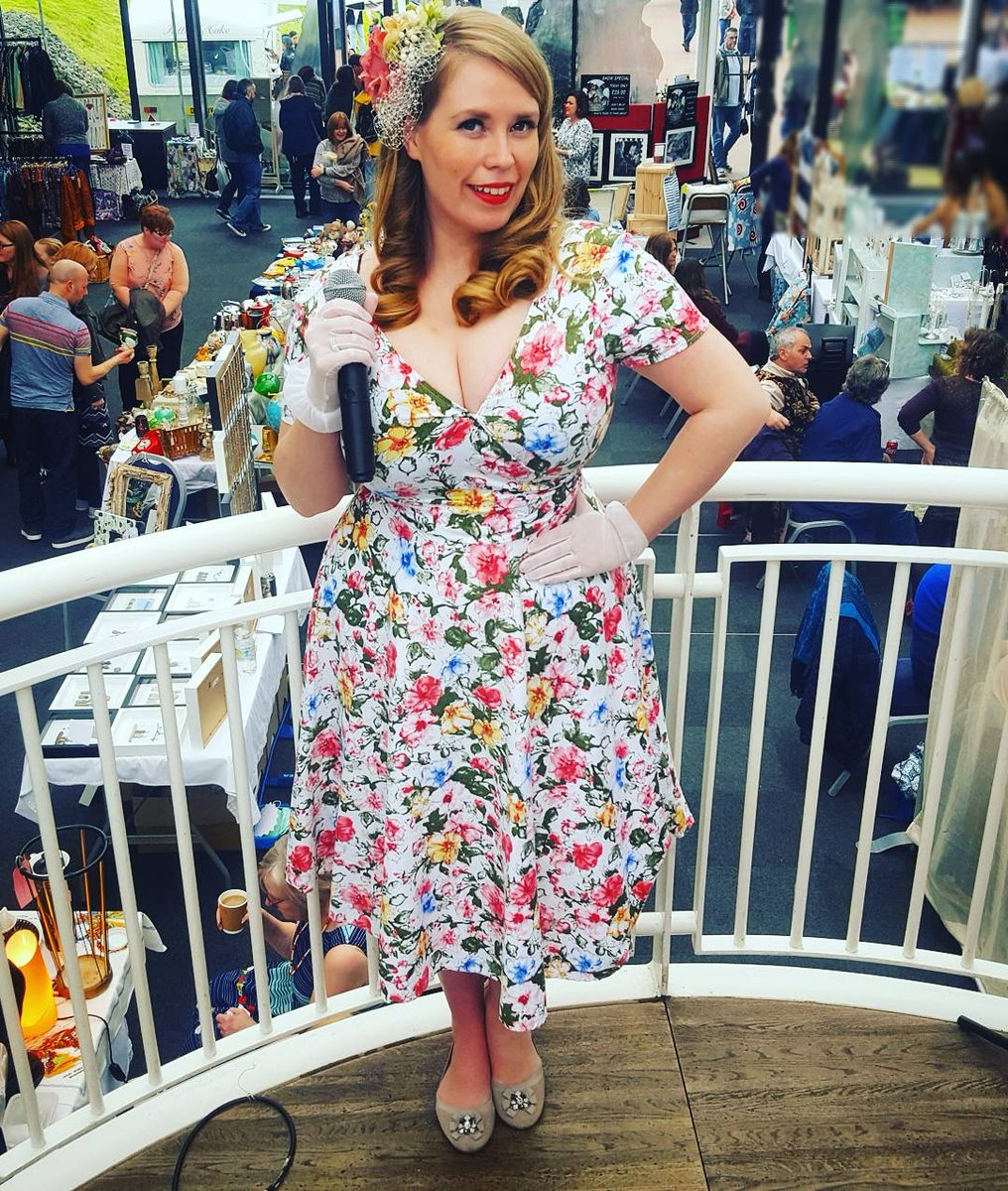 RT @LiannaHaynes Very much looking forward to returning to sing at @LoseleyGdnShow at @LoseleyPark again this weekend! #vintage #singer