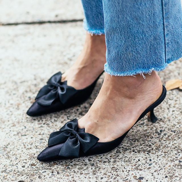 Let's talk about this new shoe trend: https://t.co/MMH6QLJzUM https://t.co/mSH8agEyPz