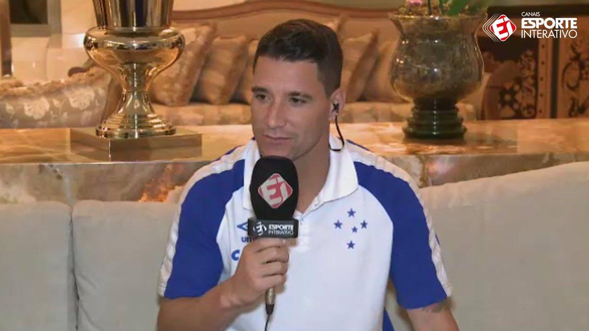 'Eu acho que no Barça ele já está a um passo de ser o melhor do mundo. Então, Ney, fica no Barcelona!' #JogandoEmCasa