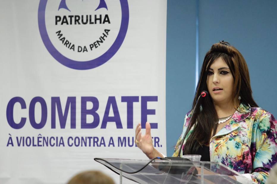 Queimada pelo ex, mulher dá a volta por cima e cria ONG contra violência doméstica https://t.co/r6DB365H4u