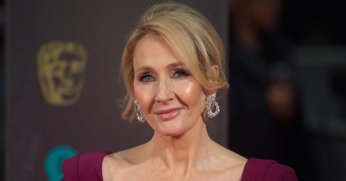J.K. Rowling Had the Perfect Response to Tomi Lahren's Anti-Trans Tweets https://t.co/kKNZiiU9mi https://t.co/vViEOcFOl3