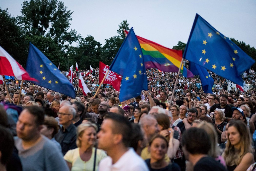 Do you live in Hungary or Poland? We want to hear from you https://t.co/H7doeCu1mQ