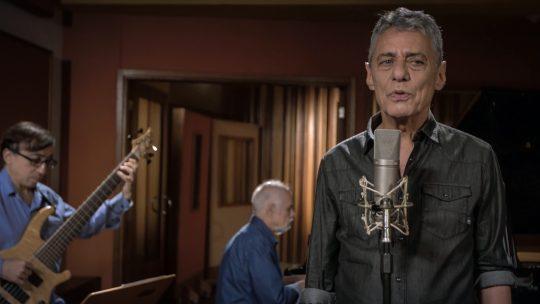 Chico Buarque acaba de lançar música nova! Ouça 'Tua Cantiga', 1º single do álbum 'Caravanas' https://t.co/RNPoppJwdJ