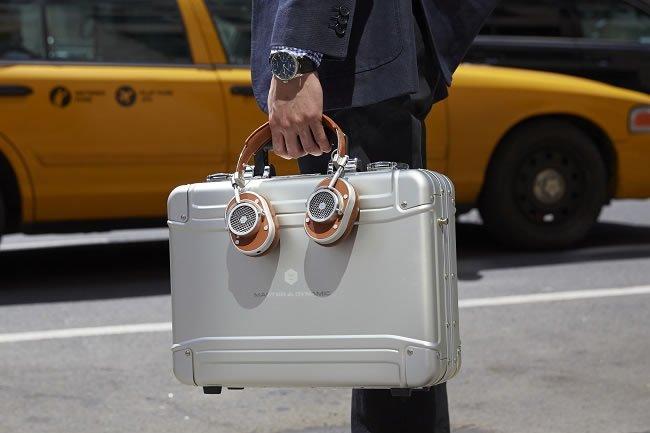 The Best Commuter Headphones for Men https://t.co/dexvzMClec #Music https://t.co/xkDL5vWYsc