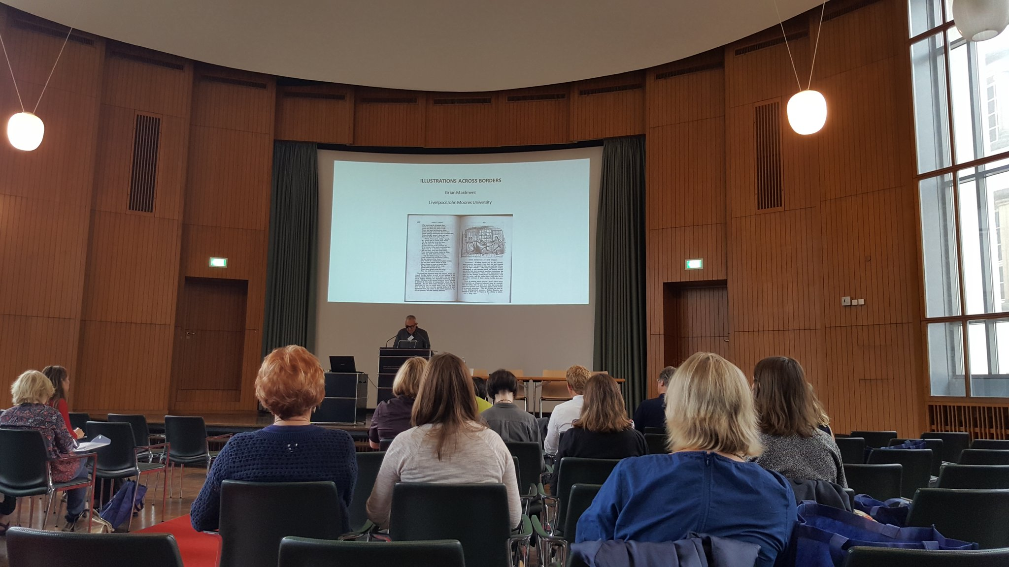 And we're off. Brian Maidment discussing 'illustrations without borders' #rsvp17 https://t.co/g77UidcRu2
