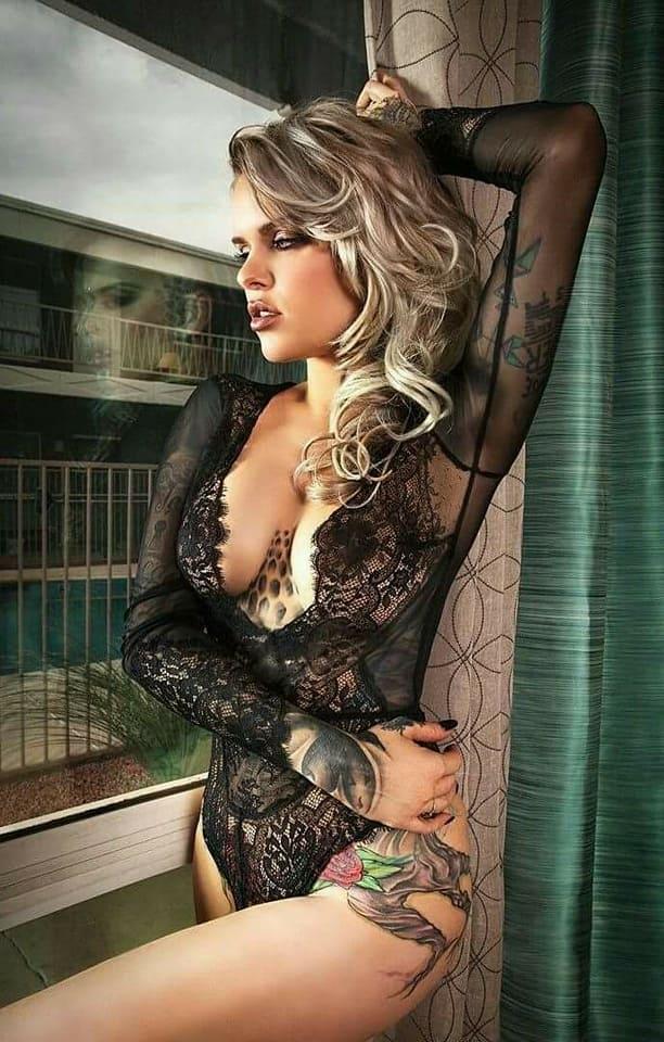 Girl in black lingerie 5
