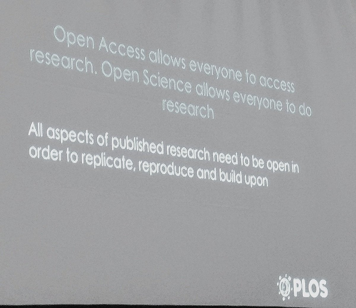 Distinguishing between #openaccess and #openscience, and how they&#39;re connected @joergheber #ISMTE2017 <br>http://pic.twitter.com/qLCpSVFR1V