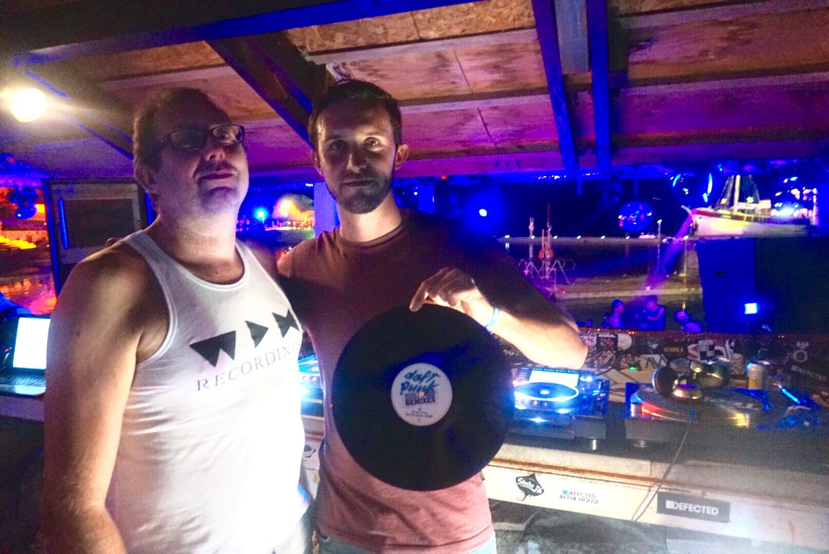 FCL have landed on the beach stage...bringing the vinyl vibes.    #DefectedCroatia2017 #FCL <br>http://pic.twitter.com/p23Bcualuv