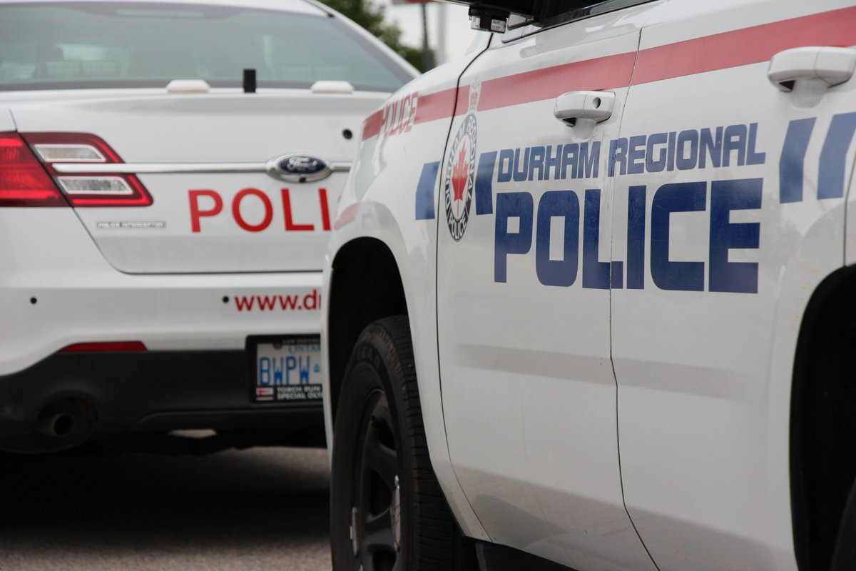 Suspects Wanted After Knifepoint Robbery in Oshawa https://t.co/HASEH0...