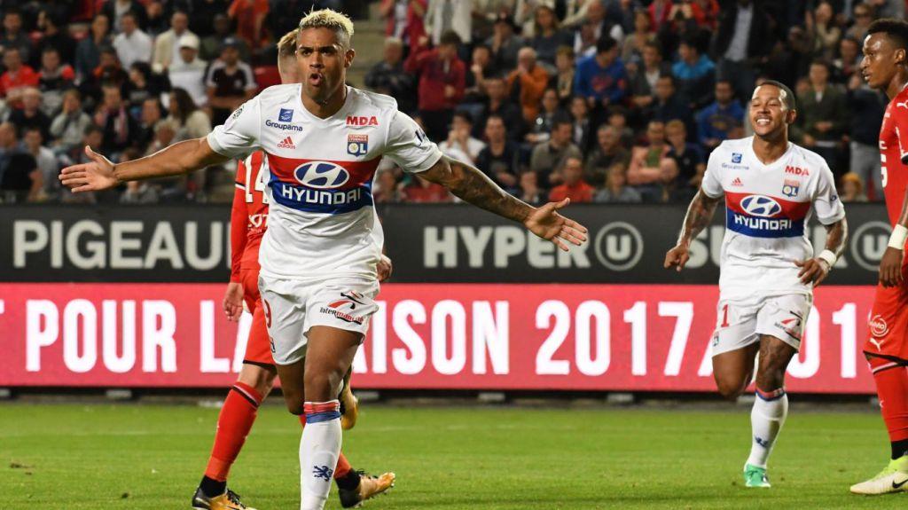 Rennes 1-2 Lyon - Vidéo Highlights andGoals #Lyon #Rennes #RennesvsLyon…  http:// foot-highlights.net/2017/08/rennes -1-2-lyon-video-highlights-and-goals/  … pic.twitter.com/cvHQgqs4oD