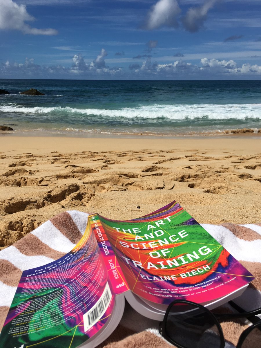 When was your last beach day? #GoodreadswithaView Photo credit: @atdpress https://t.co/Fs7TbZR1I5