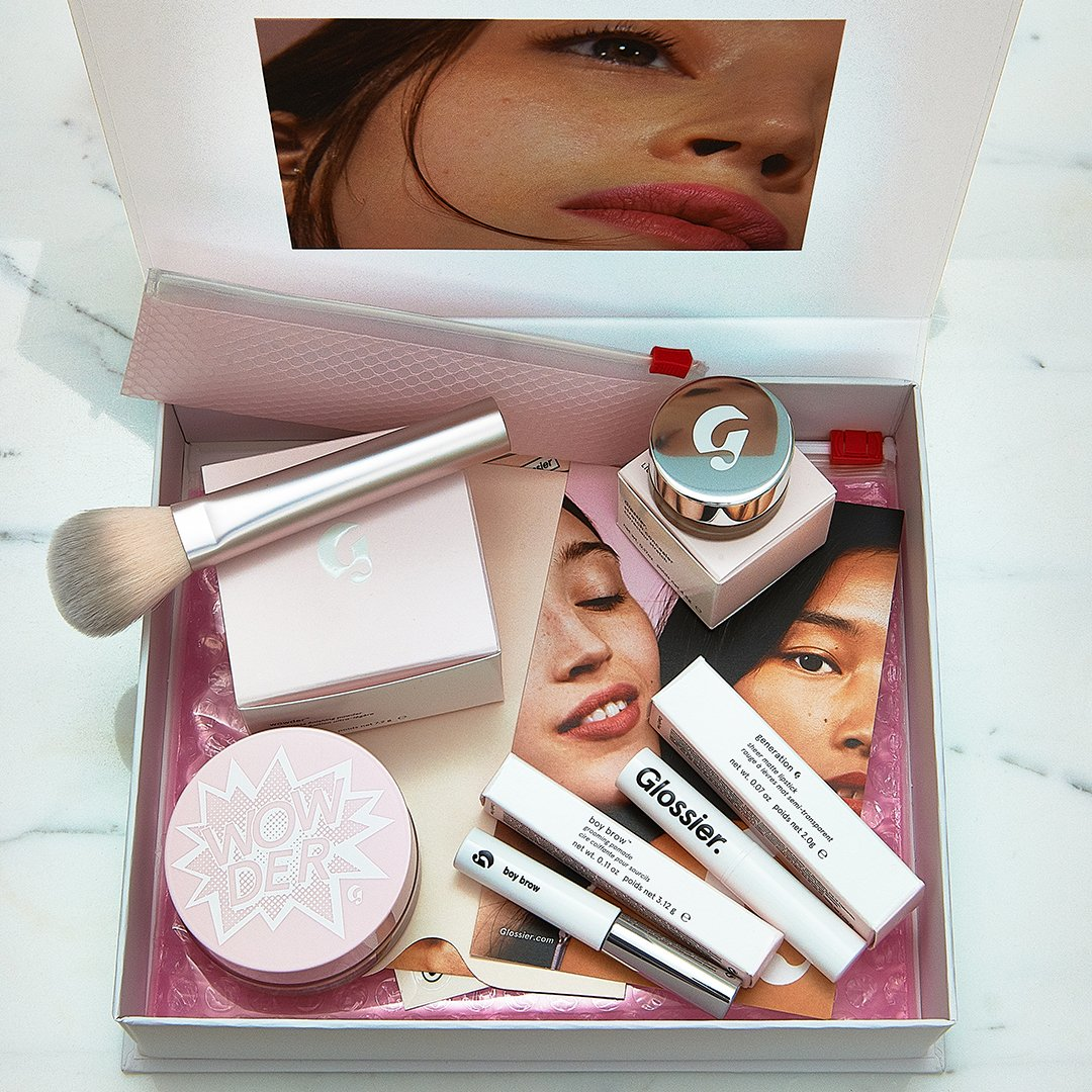 Enter a chance to win a Glossier Phase 2 Set + Wowder Duo valued at $95 ✨✨ bit.ly/2wJDMHf ✨✨ #giveaway #glossier #makeup #wowder