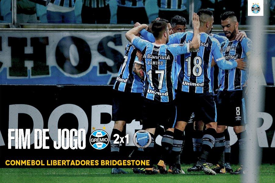 Classificados! Com dois gols de Pedro Rocha, batemos o Godoy Cruz e estamos nas quartas da #Libertadores2017! #SoyLocoPorTri #QueremosACopa