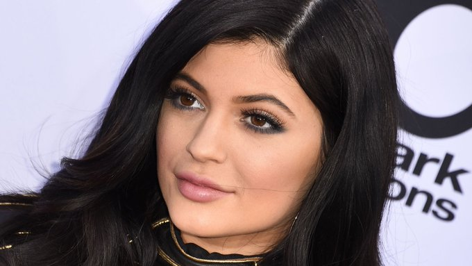 HAPPY BIRTHDAY!  If it\s your birthday today, you are sharing it with Kylie Jenner.  Have an amazing day :-)