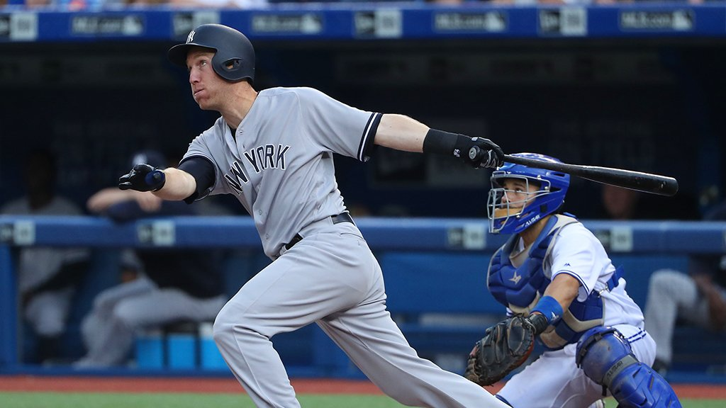 That's 2 hits and 2 more RBI for @FlavaFraz21! Then he scores on an Ellsbury RBI double!  6-2 in the 5th. https://t.co/hT4OnAEkr6