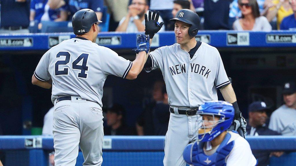 Cue Sinatra and #StartSpreadingTheNews, that's win No. 6⃣0⃣!  Final: Yankees 11, Blue Jays 5.