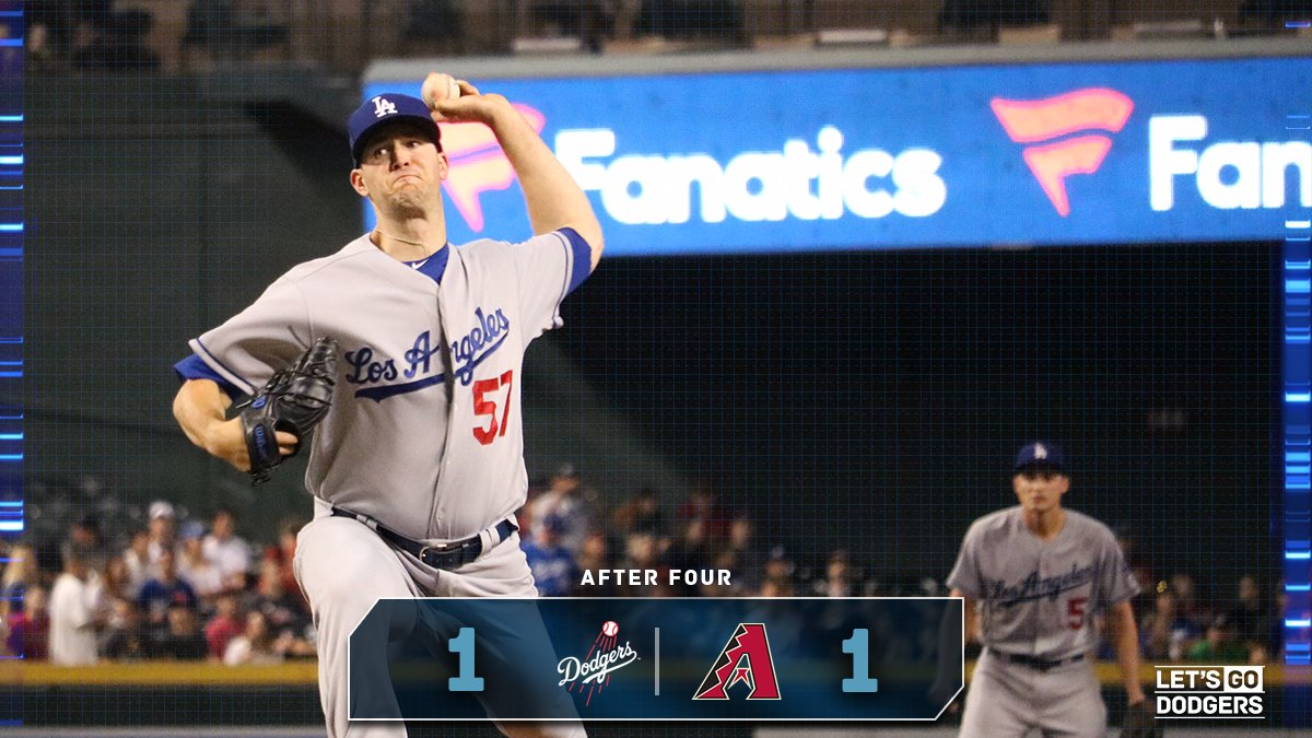 D-backs get on the board on a solo home run from Paul Goldschmidt. #Dodgers head to the top of the fifth tied at 1. https://t.co/ABBK6V7oLi