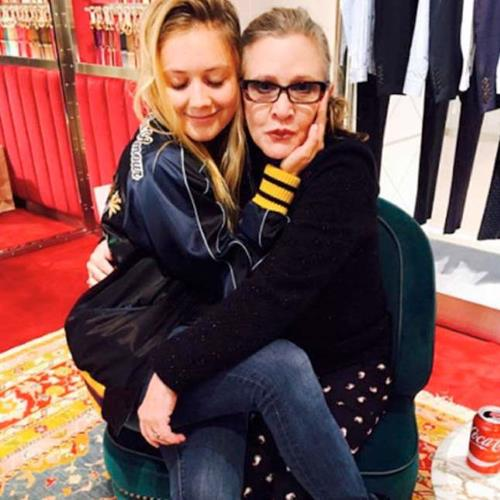 Filha de Carrie Fisher herdará fortuna de R$ 20 milhões https://t.co/xAWXSLuEs3
