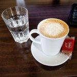 Thanks @matthiasteuschl for making my office coffee complete. #KaffeeInWien @BiscoffCookies