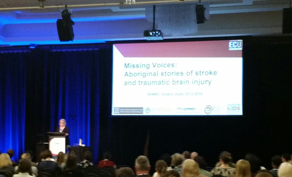 Elizabeth Armstrong presenting on WA Aboriginal experiences of communication disorders post stroke &amp; TBI #smartstrokes17 <br>http://pic.twitter.com/4u1gyXsdQ5