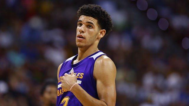 #Lonzo Ball's Stoic Nature Gets Mocked By World's Best #BASKETBALL Impersonator | #NBA |  http:// crwd.fr/2hOqW8i  &nbsp;    http:// crwd.fr/2uJ54fm  &nbsp;  <br>http://pic.twitter.com/v1H9Av1BJl