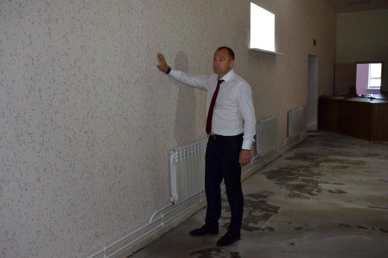 Николай Терехов проверил ход строительства ДК в п. Краснолесский