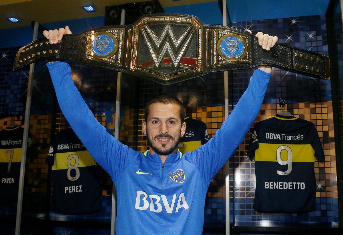 Boca recibió su cinturón de la WWE por el campeonato ganado