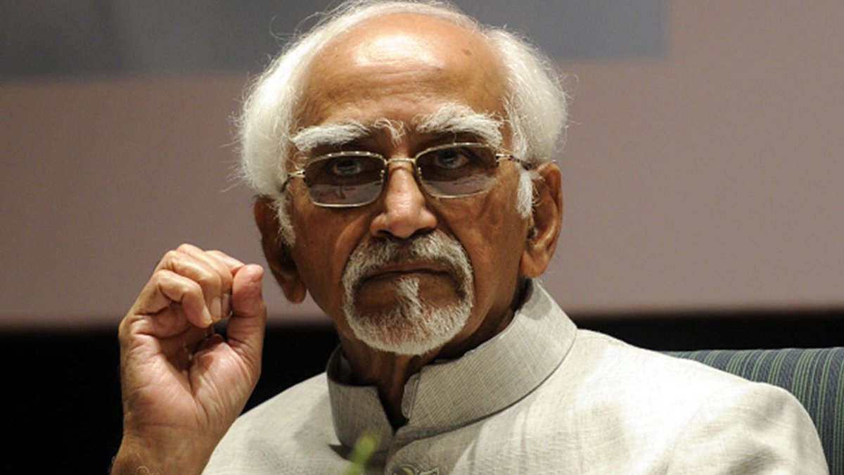 #HamidAnsari has proved by his statement today that he WAS, IS &amp; WILL always remain a stooge of @OfficeOfRG &amp; his mom. #AnsariControversy <br>http://pic.twitter.com/5e3Rz3CgI6