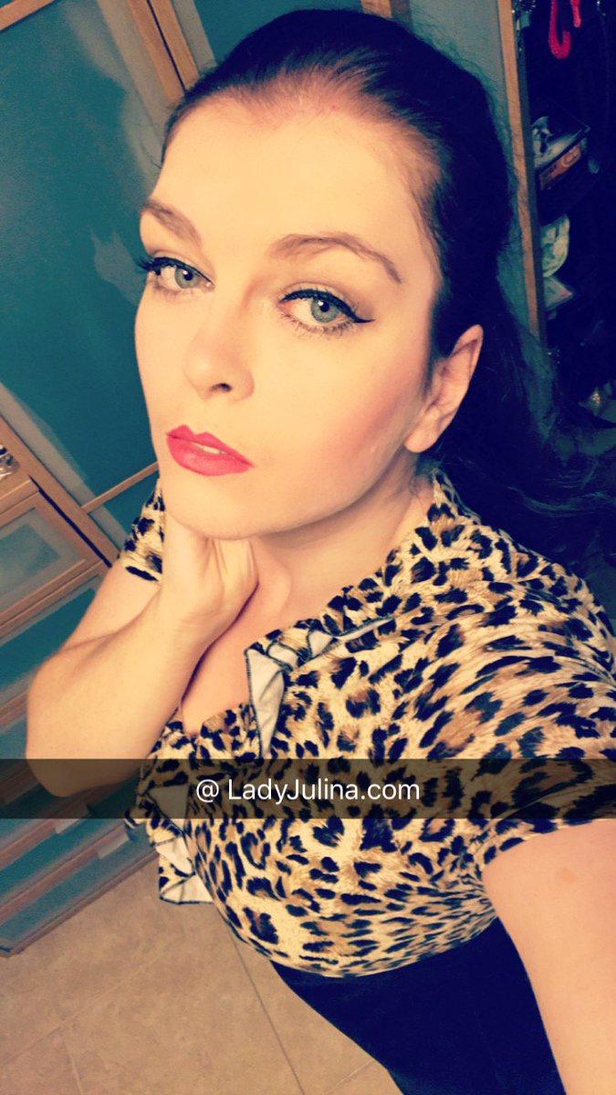 image Domina lady julina sklave ramius kg mit spikes chastity keuschhaltung cbt