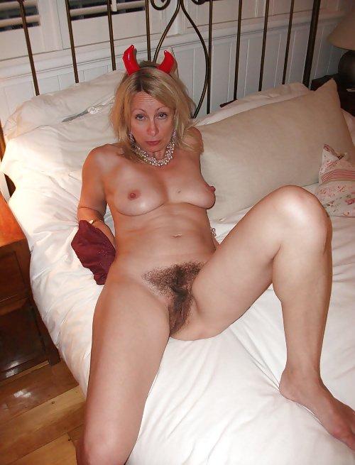 Full figured girl fucking