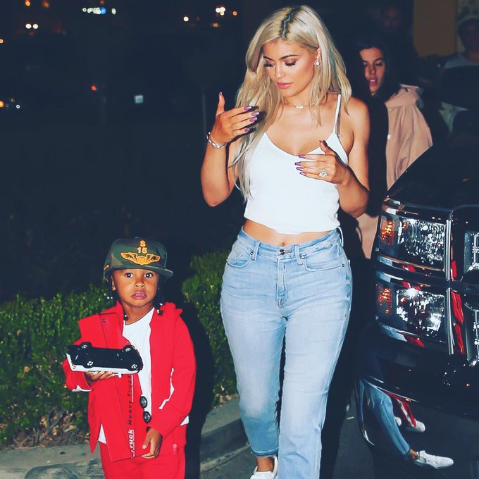 Happy birthday to one of the most beautiful woman on earth , kylie jenner