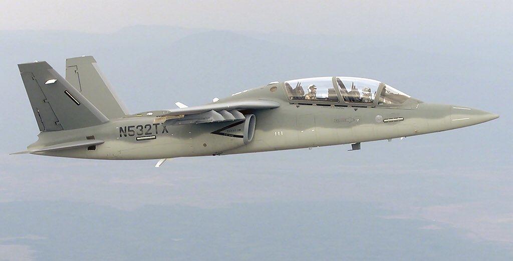 الوداع المؤجل - A-10 Thunderbolt II - صفحة 4 DG6O0_JWsAAGU2H