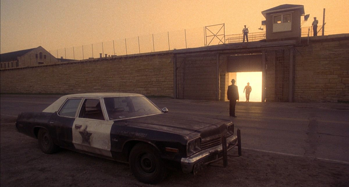 RT @OnePerfectShot THE BLUES BROTHERS (1980)DP: Stephen M. Katz Director: John Landis More Shots: https://t.co/v43SYnrN2Q