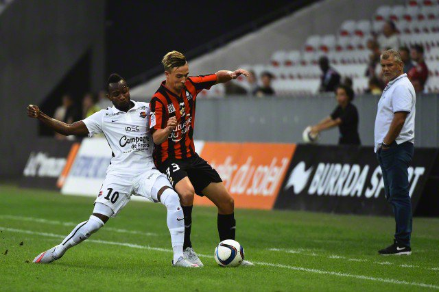 Who are you backing in #Ligue1 tonight?  #Rennes &amp; #Lyon square off!  13/2 TIP &amp; Match Preview   http://www. freesupertips.co.uk/previews/renne s-vs-lyon-predictions-betting-tips-and-match-previews-20170811/ &nbsp; … <br>http://pic.twitter.com/2h6IwNhFeX