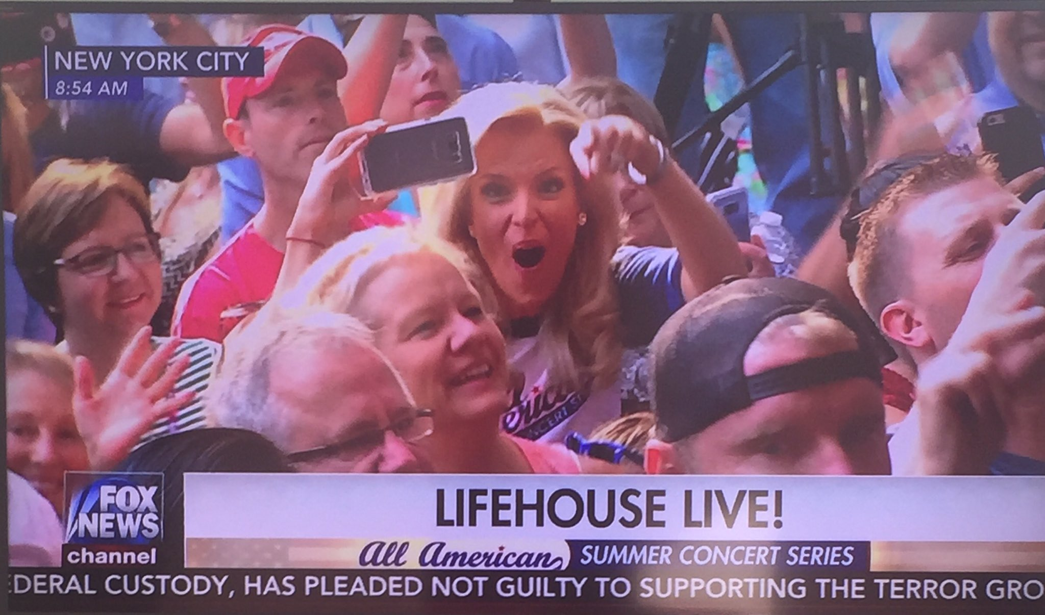 @JaniceDean Knows How To Party!  @lifehouse @foxandfriends #foxconcert #BetterWithFriends #GoJanice ������ https://t.co/RPYEJgDsaE