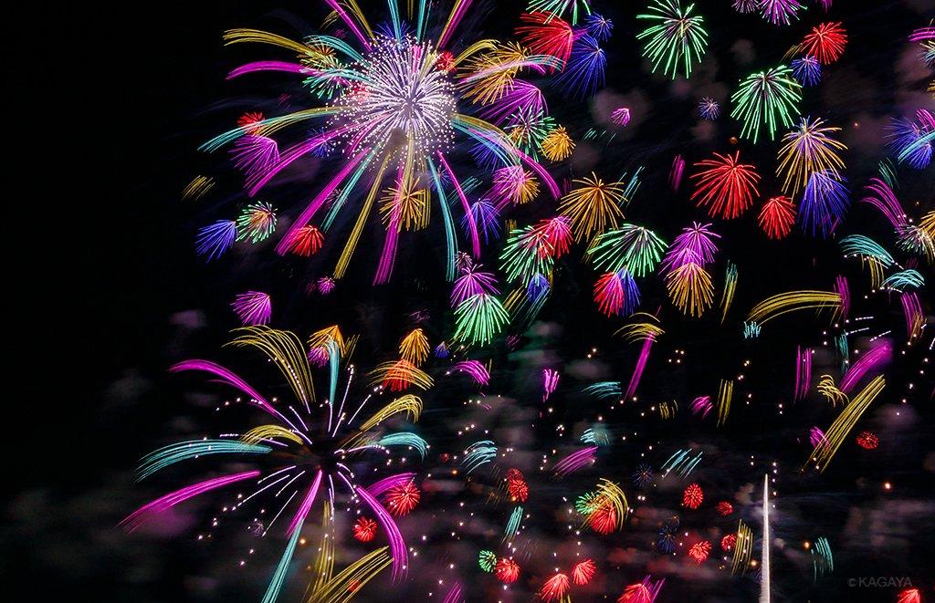 先週撮影した長岡花火の写真より 1、月夜の彩り 2、花火の宇宙 3、フェニックスの乱舞 今週もお疲れ…