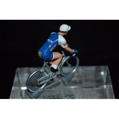 Quick Step Floors 2017 - petit cycliste miniature en metal  https:// buff.ly/2hNXwHm  &nbsp;   #cyclisme #ciclismo #cycling #LaVuelta #kittel<br>http://pic.twitter.com/fNY4ZO71KT