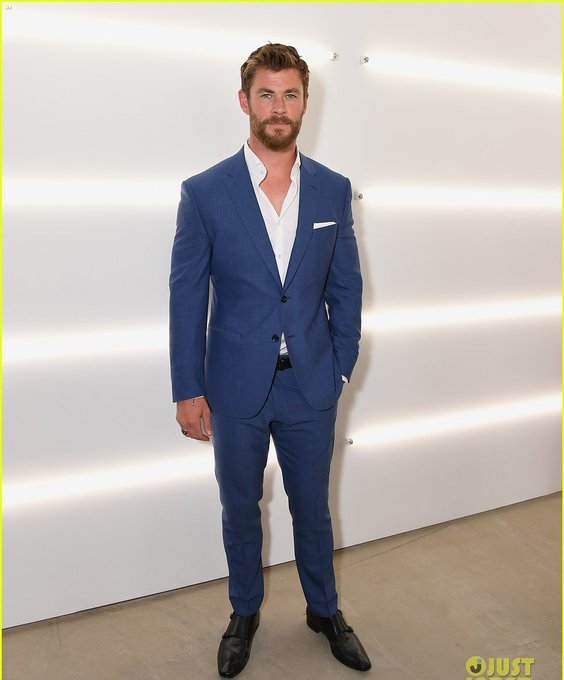 Happy  Birthday  Chris  Hemsworth  ..
